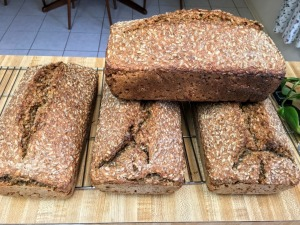 German sourdough black bread (Schwarzbrot)